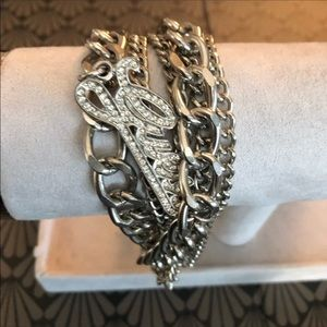 🆕 GUESS Silver Bracelet chains & crystal Logo!NEW